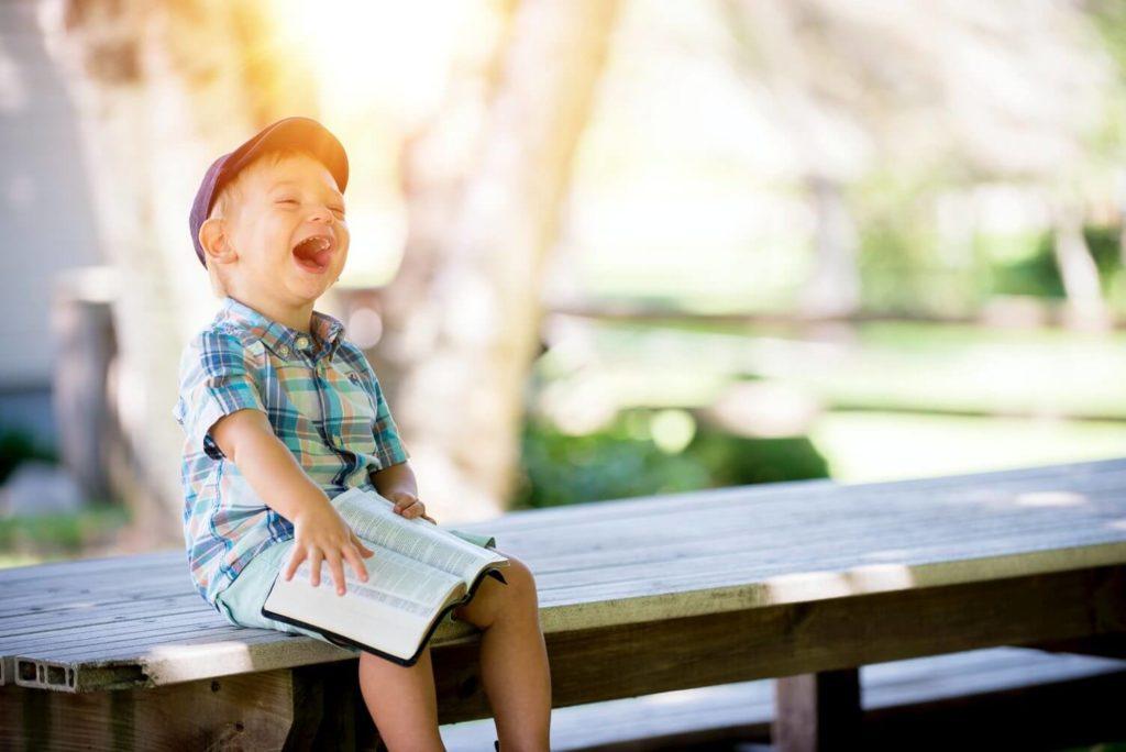 前回ご紹介した「子どもたちの笑顔」がテーマの挨拶文例